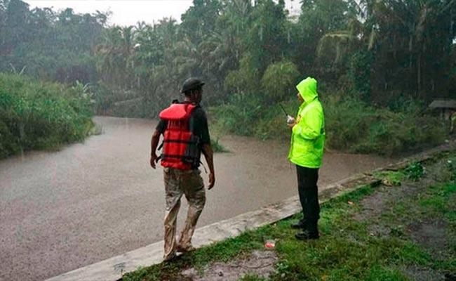 Flash Flood Kills At Least 6 Indonesian Students on Camping Trip - Sakshi