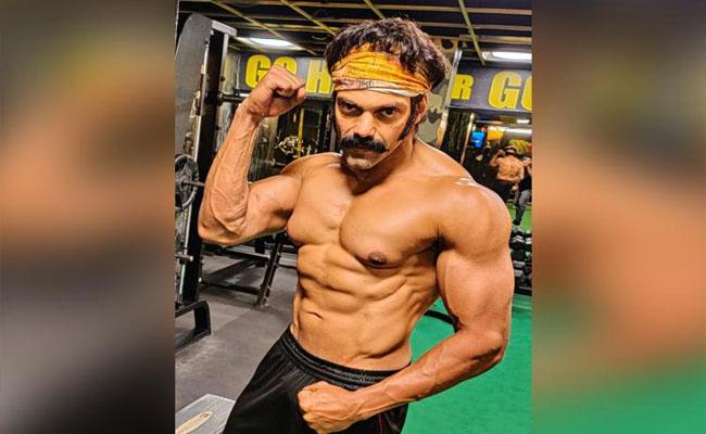 Tamil Actor Arya Latest Look - Sakshi