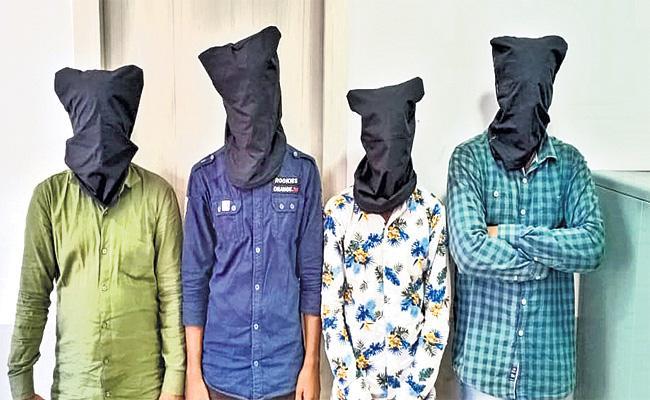 Robbery Case Reveals Hyderabad Police in Nicco Logistics Gowdown - Sakshi