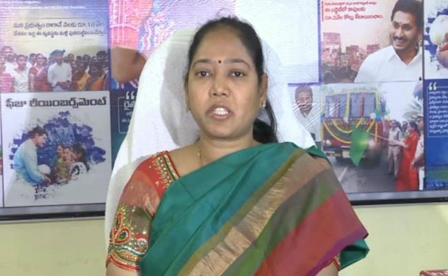 AP Home Minister Mekathoti Sucharitha Fires On Chandrababu - Sakshi