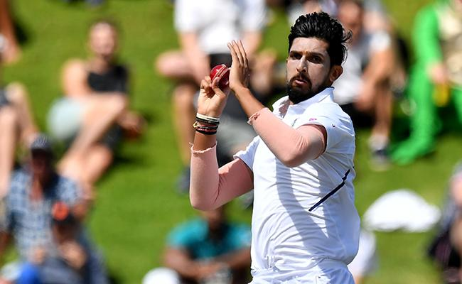 IND VS NZ 1st Test: Ishant Equals Zaheer Record - Sakshi