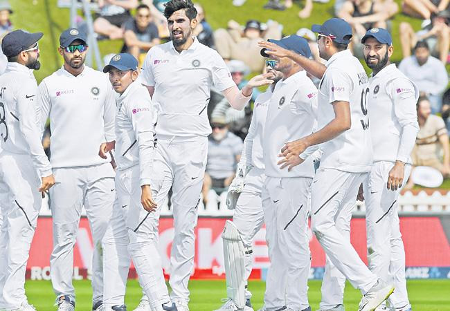 New Zealand Lead With 51 Runs In Test Match Against India - Sakshi