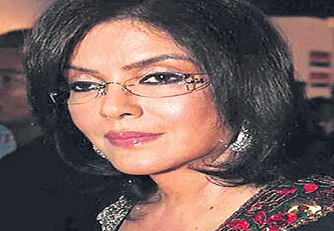 Zeenat Aman As A Kasturba Gandhi - Sakshi