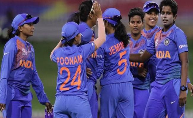 Poonam, Arundhati Shared 5 Wickets Help To India's Win - Sakshi