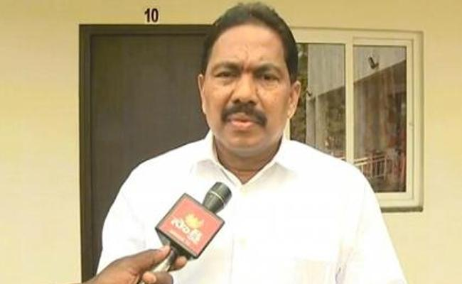 Pinipe viswarup Reacts On TDP Leaders Attack On Nandigam Suresh - Sakshi