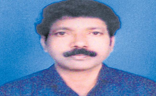 Senior Journalist Vaddalapu Prabhakar Commits Suicide - Sakshi