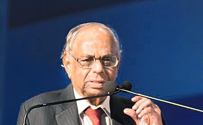 RBI alone Did Not Control Inflation said Rangarajan - Sakshi
