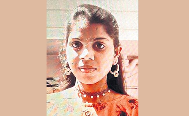 Beautician Commits Suicide Hyderabad - Sakshi