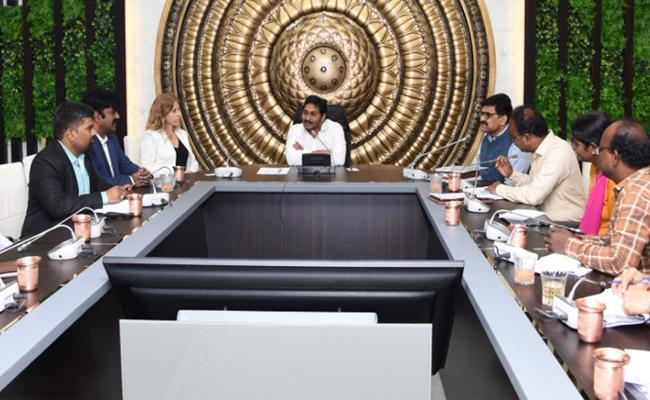 YS Jagan Meeting With IDE Technology Deputy CEO Leahy Torrenstein - Sakshi