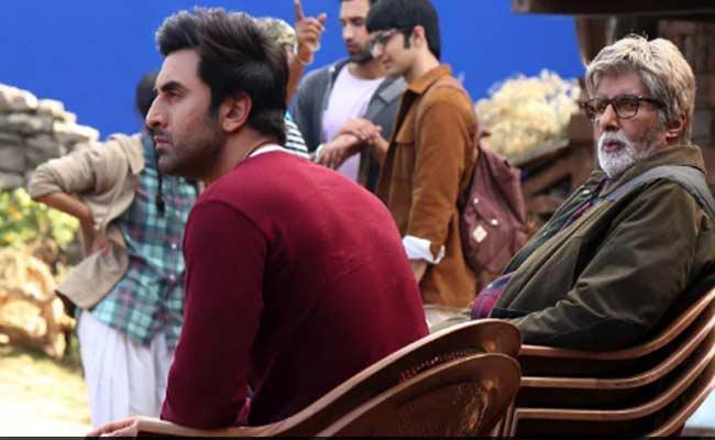 Amitabh Bachchan shares Some Pics With Ranbir Kapoor From Brahmastra Sets - Sakshi