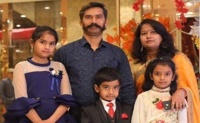 Delhi Violence: Govt Offers Job To Martyred Cop Ratan Lals Wife - Sakshi