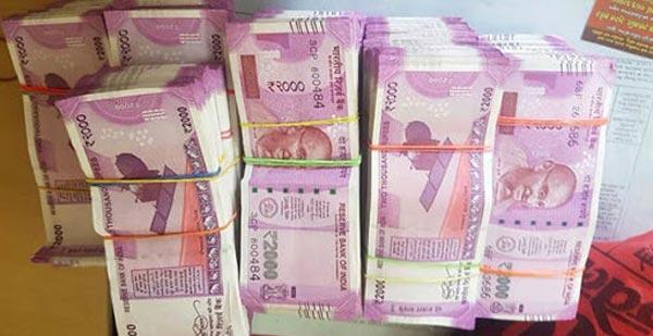 RBI has stopped printing Rs 2,000 notes - Sakshi