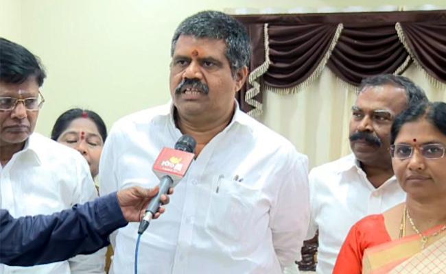 Avanthi Srinivas Slams On Chandrababu Naidu Over Visakhapatnam Visits - Sakshi