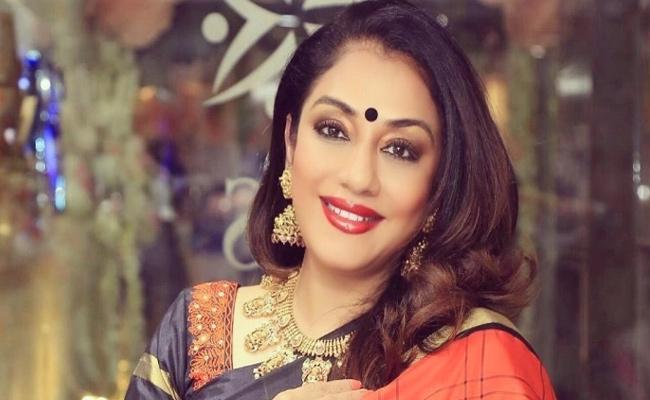 Tamil Actress Gayathri Sai Lodge Complaint Against Pizza Delivery Boy - Sakshi