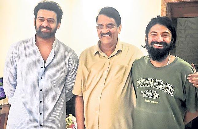 Prabhas teams up with Mahanati director Nag Ashwin - Sakshi