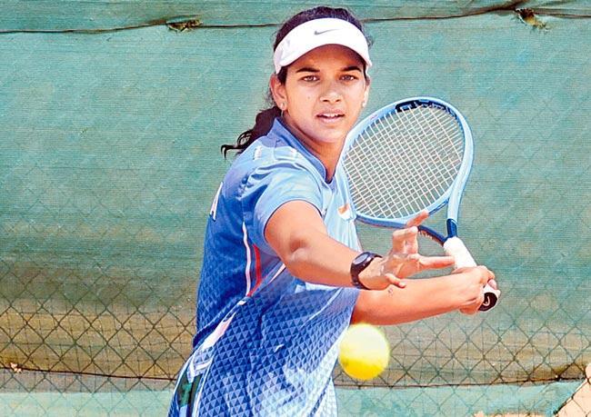Sowjanya Bavisetti Selected to Fed Cup Asia - Sakshi