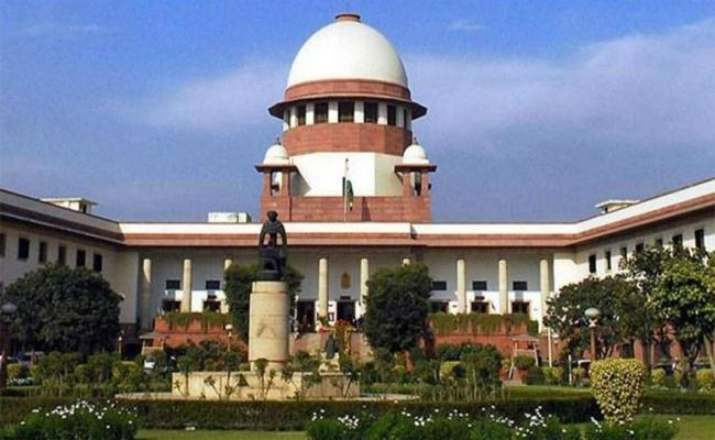 Supreme Court Directions To AP And Telangana on 1999 Group-2 Notification dispute - Sakshi