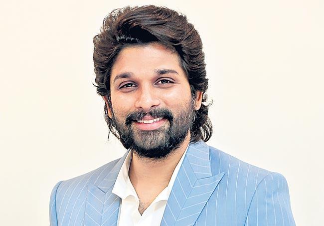 Allu Arjun to Romance Rashmika Mandanna in Sukumar is next - Sakshi