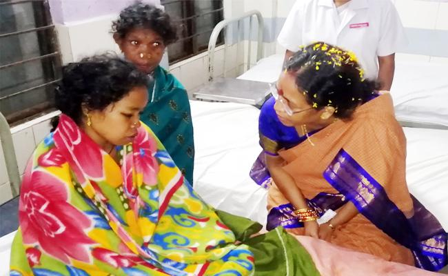 Tribal Woman Rejects Treatment in Srikakulam Finally ok With MLA Request - Sakshi