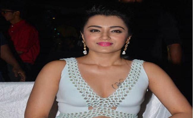 Trisha Tamil Movie paramapadham Vilayattu Updates - Sakshi