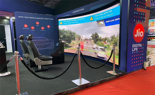 JIO Drives Future Of Connected Vehicles In Auto EXPO 2020 - Sakshi