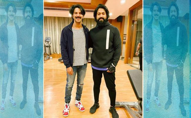 Dulquer Salmaan Shares Picture With KGF Yash - Sakshi