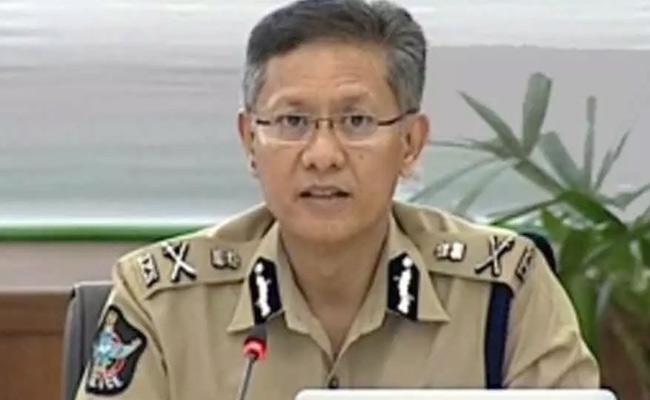 DGP Goutham Savangh Speech In Disha Police Station At East Godavari - Sakshi