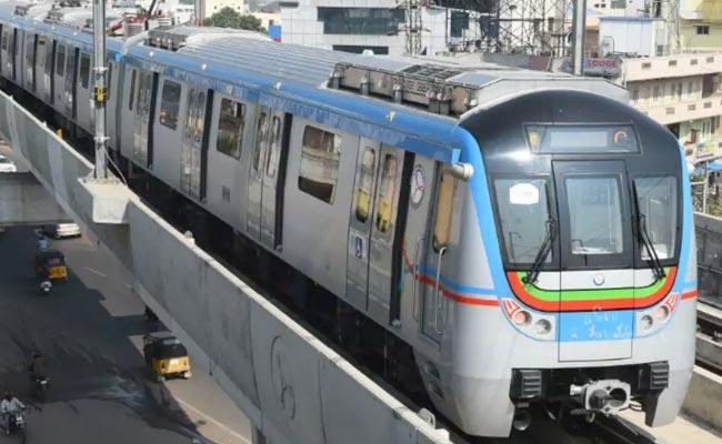 AP Govt Orders To Make New DPR For Visakha Metro Rail - Sakshi