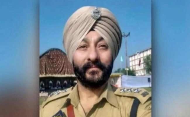 DSP Davinder Singh Ask NIA Court For Change Heeranagar Jail - Sakshi
