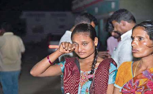 Hajipur Villagers Happy With Hanging Punishment to Srinivas Reddy - Sakshi