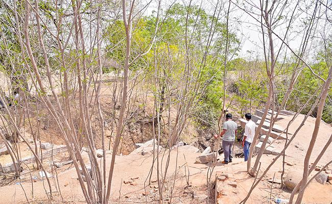 Hajipur Murder Case: Hajipur Village Have No Transport Facility In Nalgonda - Sakshi