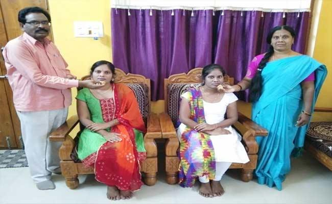 2 Girls Get Government Job In First Attempt In Adilabad - Sakshi