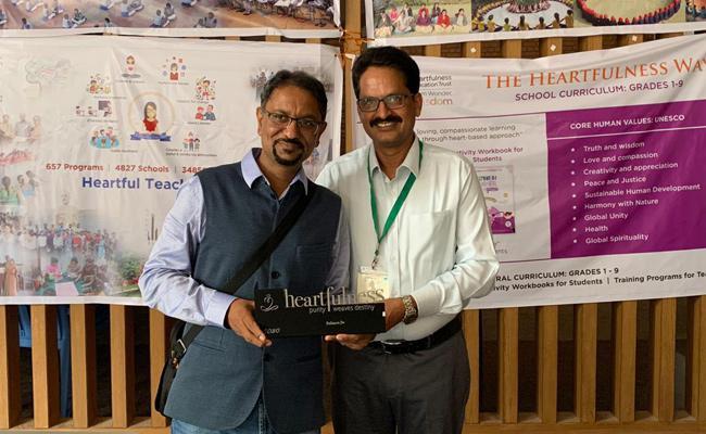 Reliance Jio Gets Heartfulness Organisation Award - Sakshi