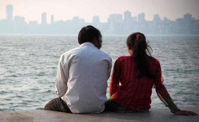 Best Places For Lovers To Visit On Valentines Day In Hyderabad - Sakshi