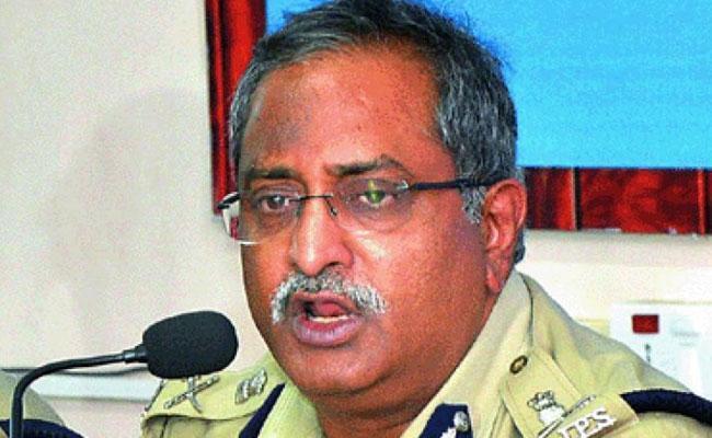 Former Chief of Intelligence AB Venkateswara Rao suspension - Sakshi