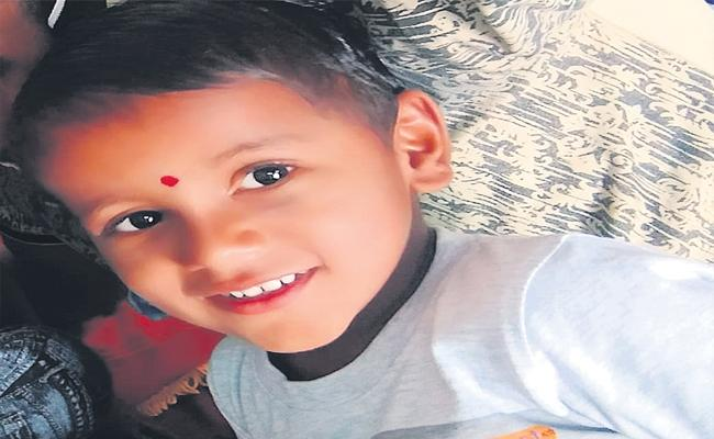 Four Years Boy Died By FAll Into Hot Water In Husnabad - Sakshi