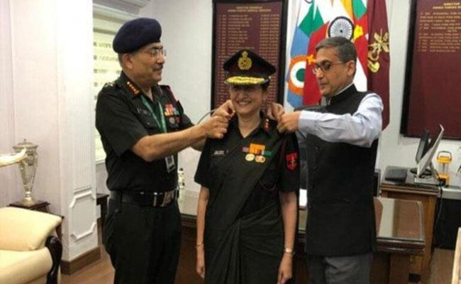 Kanitkars Become First Ever 3 Star Couple in Indian Forces - Sakshi