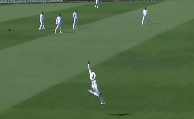IND VS NZ 2nd Test: Ravindra Jadeja Takes An Super Man Catch - Sakshi
