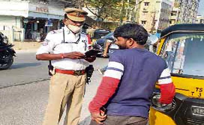 Rangareddy Police Special Focus on My Auto is Safe Campaign - Sakshi