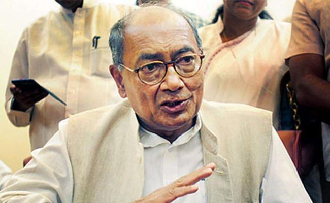 Jyotiraditya Scindia Not Speaking says Swine Flu Digvijaya singh Says - Sakshi