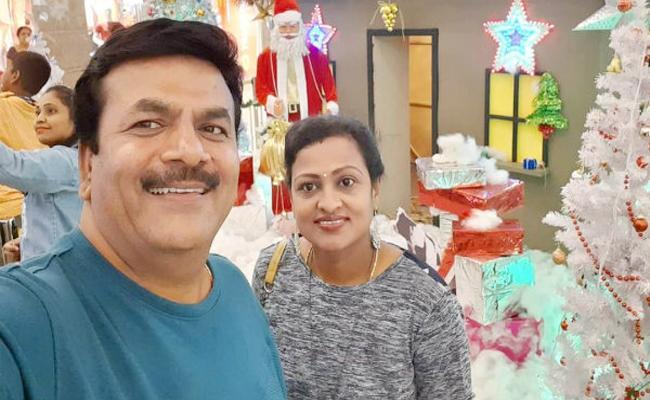 Husband Assassinated Wife in Karnataka - Sakshi
