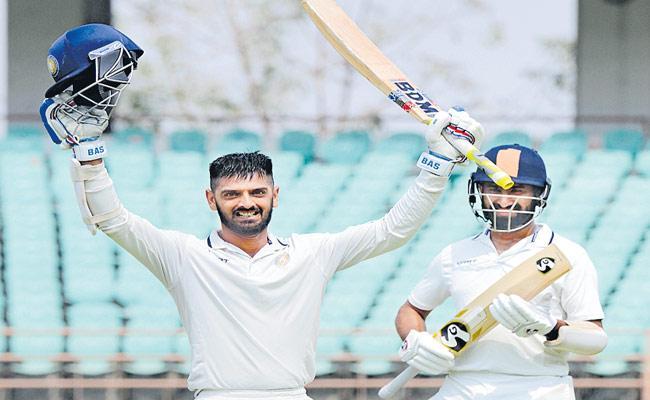 Arpit Vasavada Scored Century In Ranji Trophy Final - Sakshi
