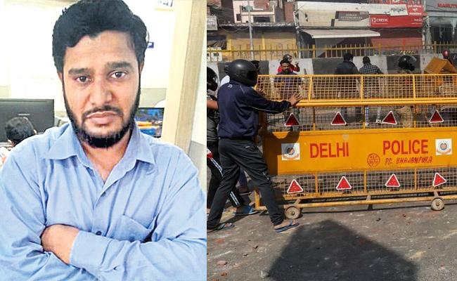 Auto Driver Held in Hyderabad For Rumors Spread in Social Media - Sakshi