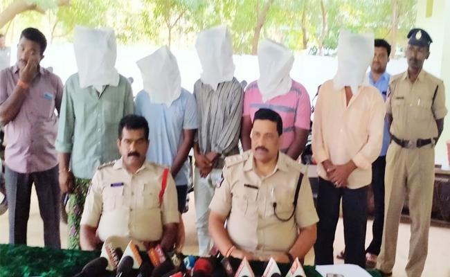Achari Assassinated Case Reveals in Kurnool Brothers Held - Sakshi