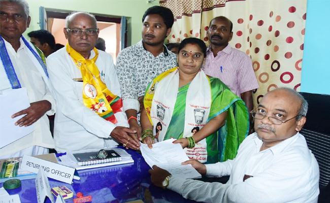 TDP And janasena Combined Nominations in East Godavari - Sakshi