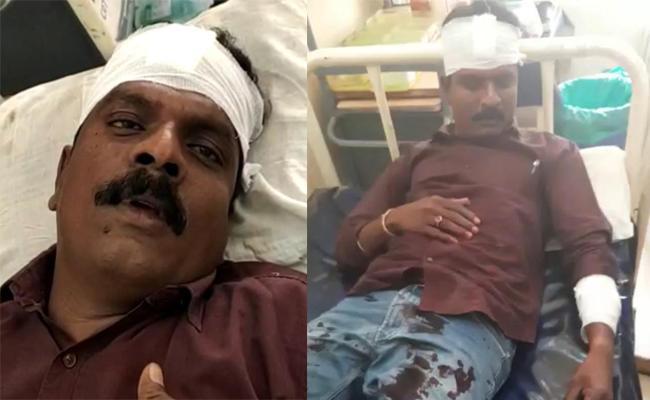 Janasena Leaders Beats YSRCP Activists In Srikalahasti - Sakshi