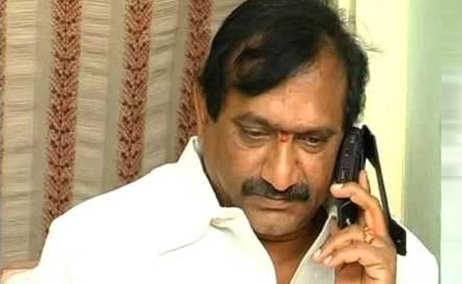 TDP MLC KE Prabhakar Resigns To TDP Kurnool - Sakshi