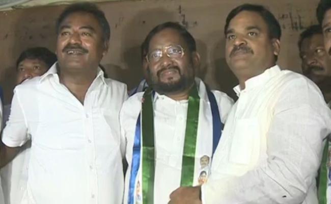 Subhan Bhasha Resigned To TDP In YSR District - Sakshi