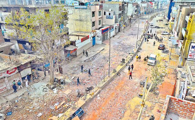 Mallepalli Laxmaiah Writes Guest Column On Delhi Violence - Sakshi