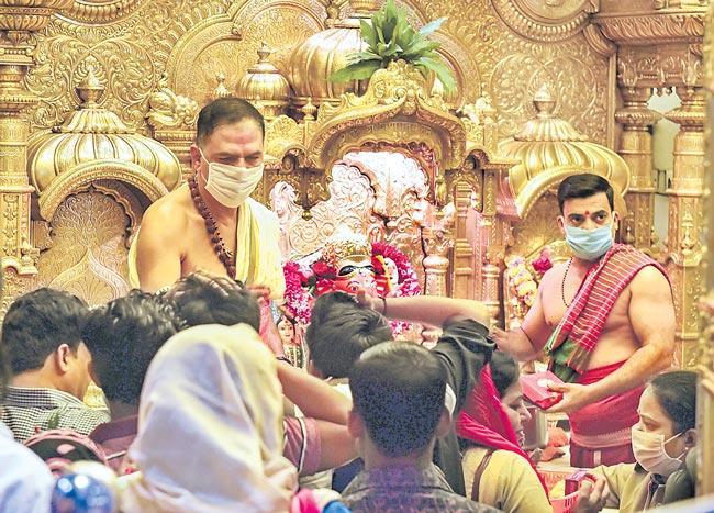 India confirms second lifeloss due to corona virus - Sakshi